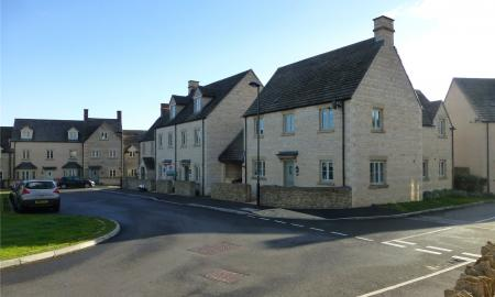 Moss Way Cirencester GL7 Image 12