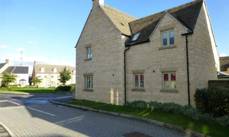 Moss Way Cirencester GL7 Image 11