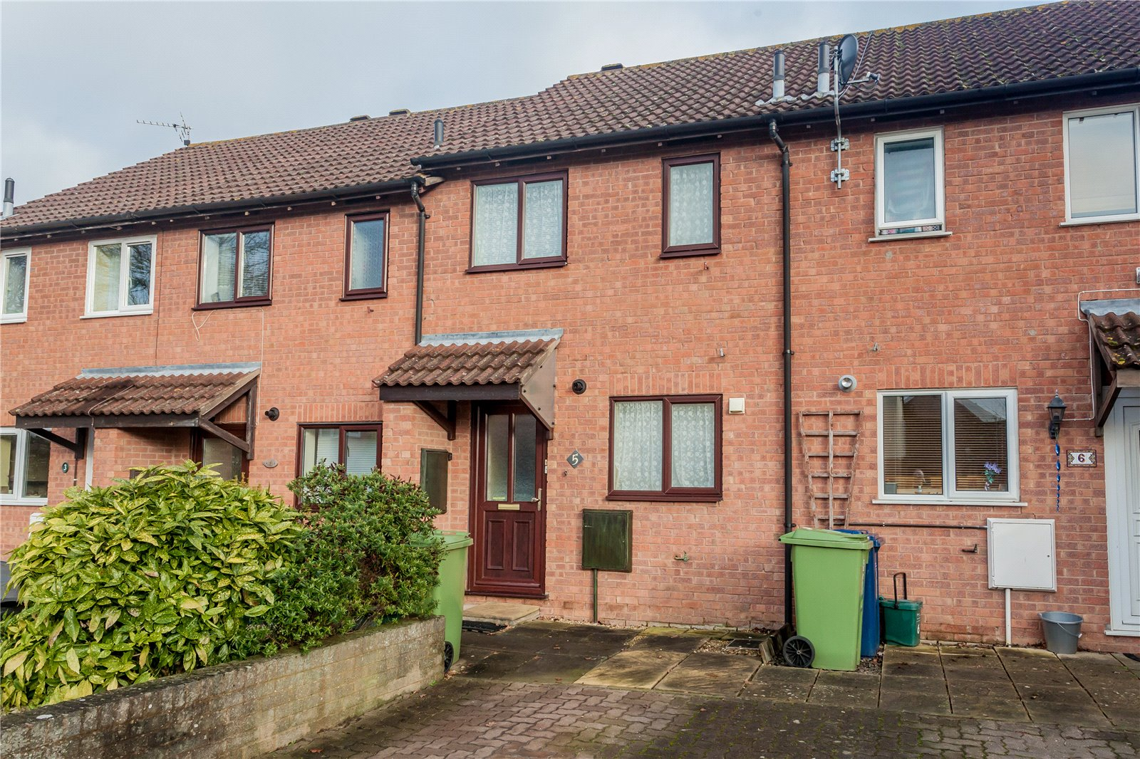 2 Bedrooms Terraced House for sale in Sunderland Court Churchdown Gloucester GL3