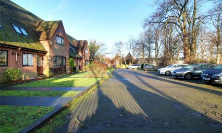 Haywood Court Reading Berkshire RG1 Image 8