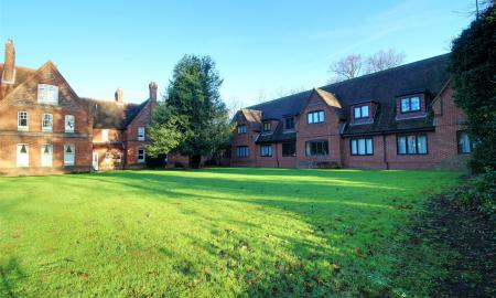 Haywood Court Reading Berkshire RG1 Image 3