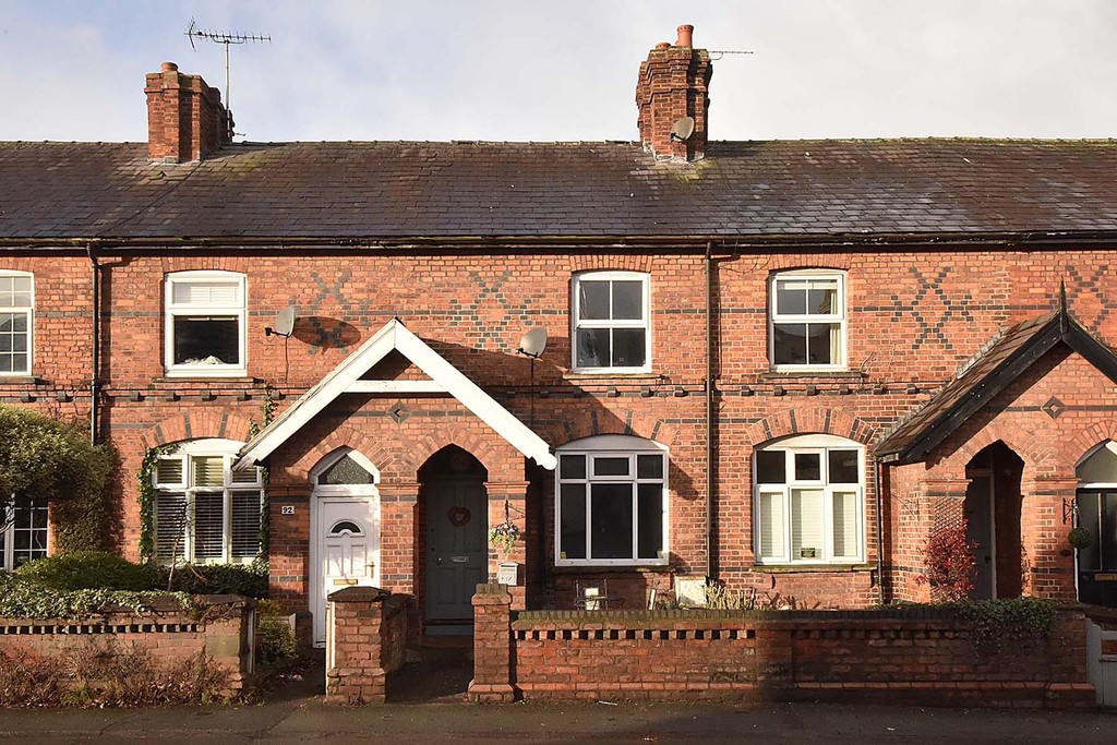 3 Bedrooms Terraced House for sale in Mobberley Road, Knutsford WA16