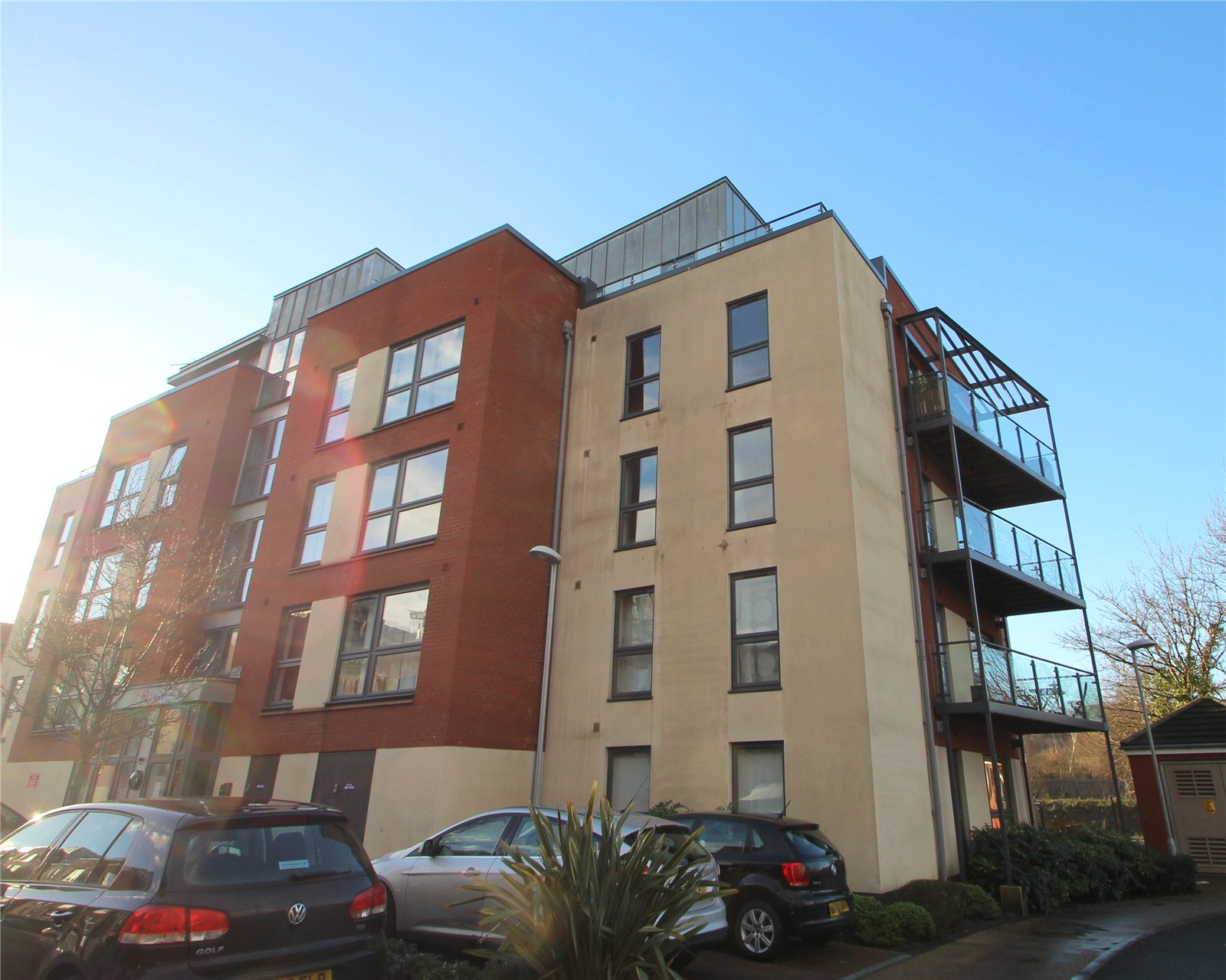 2 Bedrooms Flat for sale in Paxton Drive BRISTOL BS3