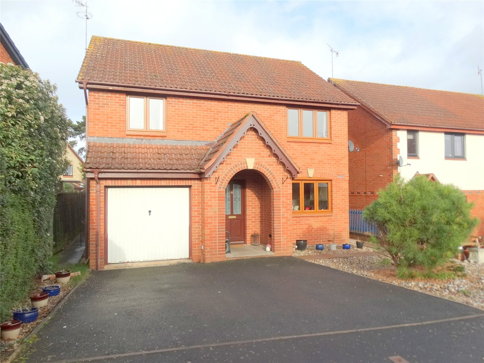 4 Bedrooms Detached House for sale in Byron Close Powick Worcester WR2