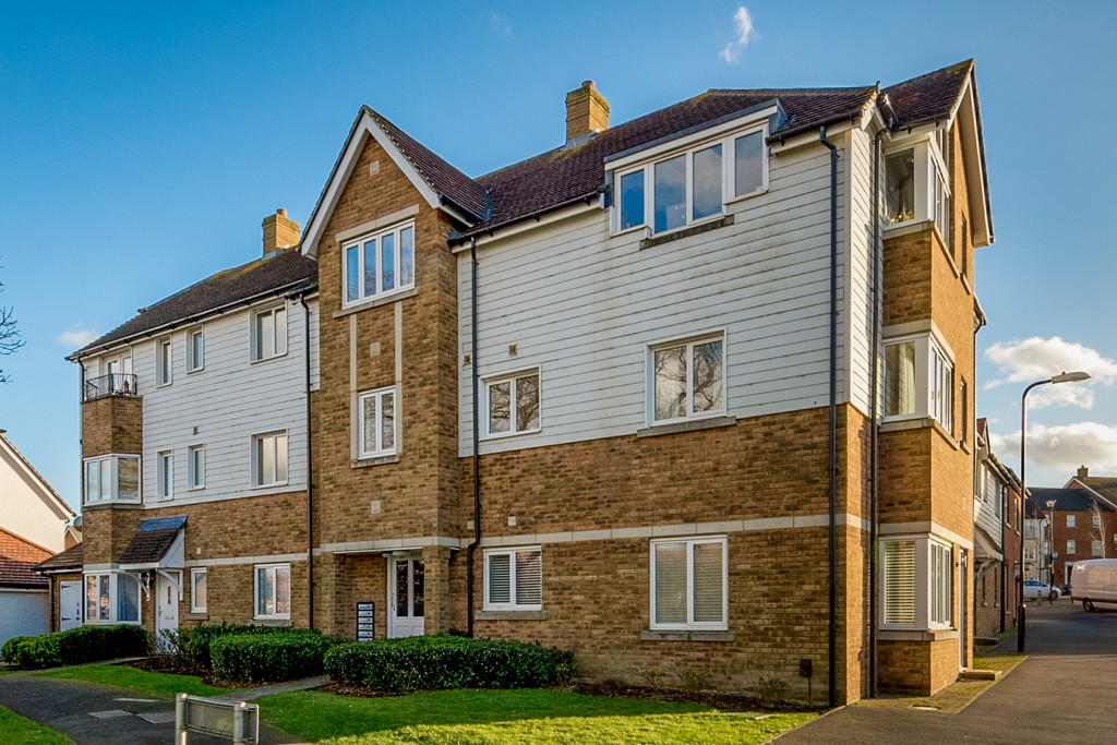 2 Bedrooms Apartment Flat for sale in Bluebell Road, Park Farm, Ashford TN23