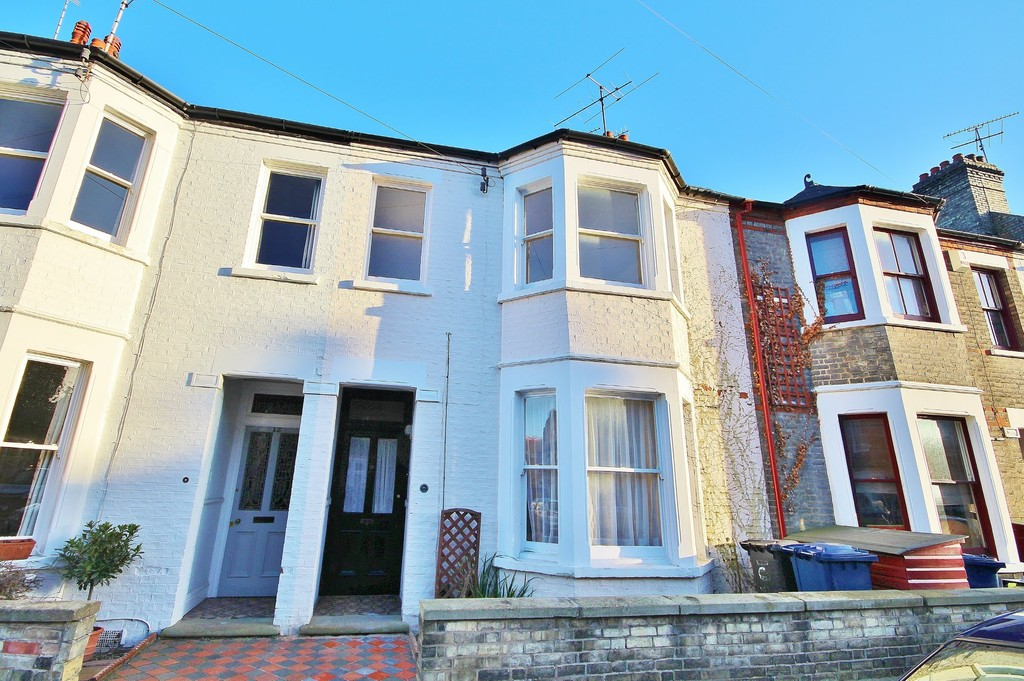 3 Bedrooms Terraced House for sale in Guest Road CB1
