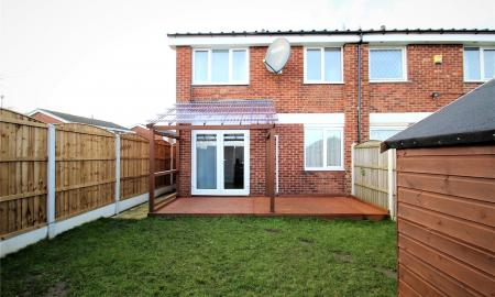Chequers Close Pontefract West Yorkshire WF8 Image 19