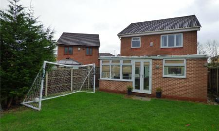 Thornleigh Drive Liversedge WF15 Image 2