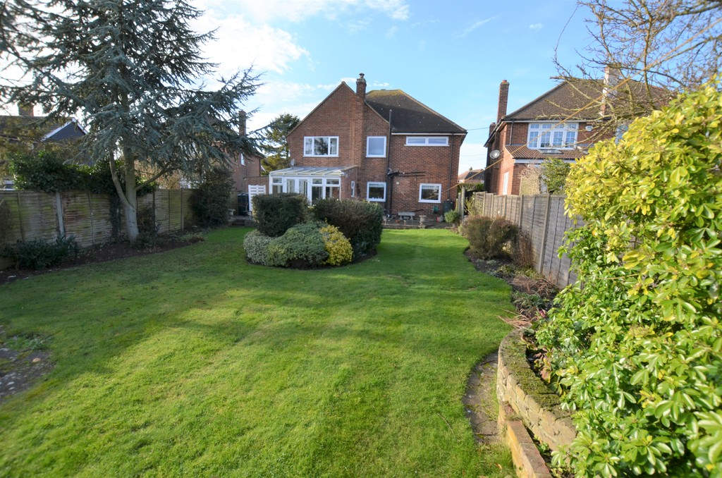 4 Bedrooms Detached House for sale in Epping Green, Epping CM16