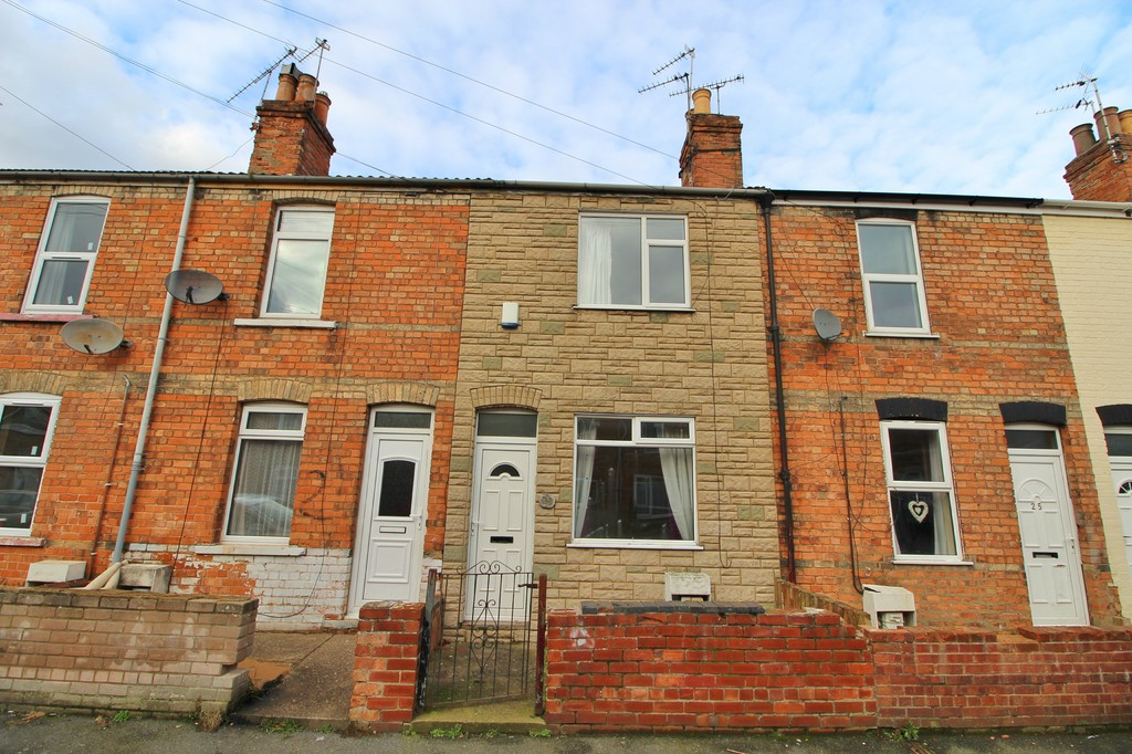 2 Bedrooms Terraced House for sale in Beaufort Street, Gainsborough DN21