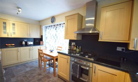 Linden Rise Long Lee Keighley BD21 Image 4