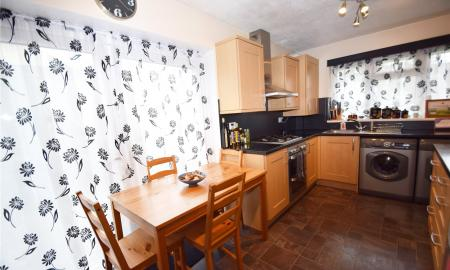 Linden Rise Long Lee Keighley BD21 Image 12