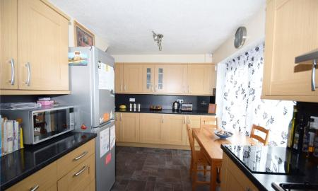 Linden Rise Long Lee Keighley BD21 Image 3