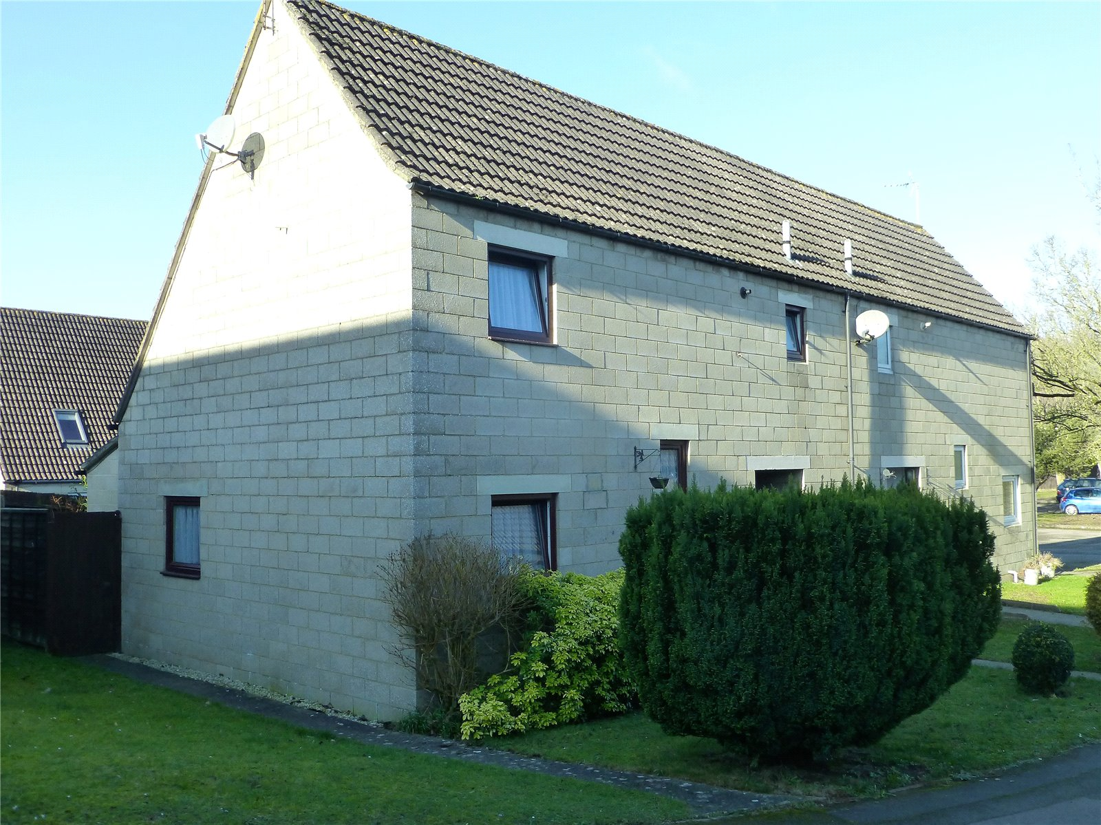 4 Bedrooms Property for sale in Fosse Close Cirencester GL7