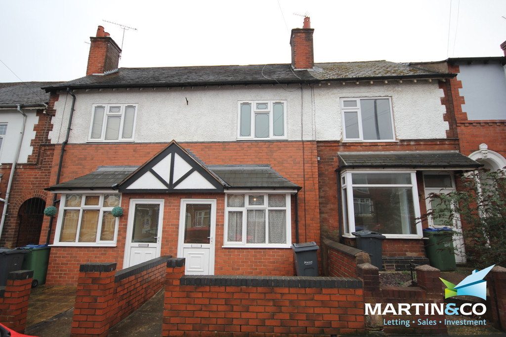 3 Bedrooms Terraced House for rent in Abbey Road, Bearwood, B67
