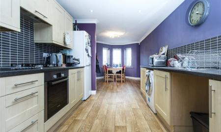 Spring Place Court Mirfield West Yorkshire WF14 Image 4