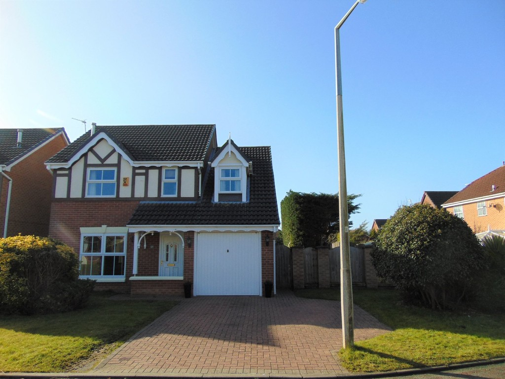 4 Bedrooms Detached House for sale in Turnberry Close, Moreton CH46