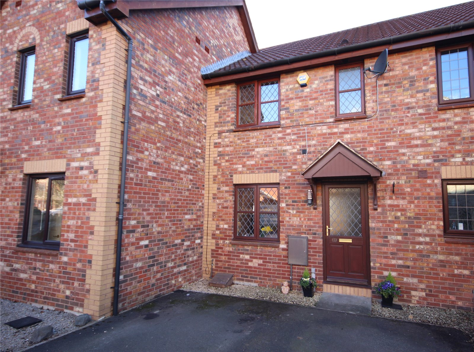 Cj hole bradley stoke 2 bedroom house for sale in juniper for Juniper house