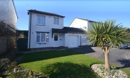 Martin Amp Co Ringwood 3 Bedroom Detached House Let In
