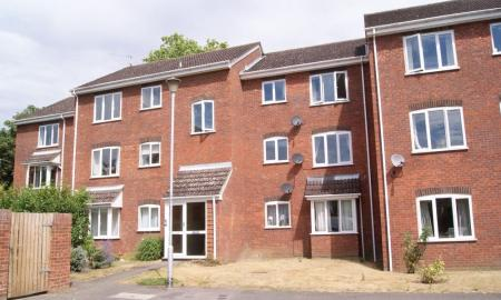 Bexley Court Reading Berkshire RG30 Image 1
