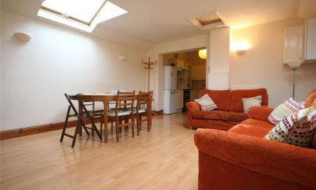 Photo of 4 bedroom Flat to rent