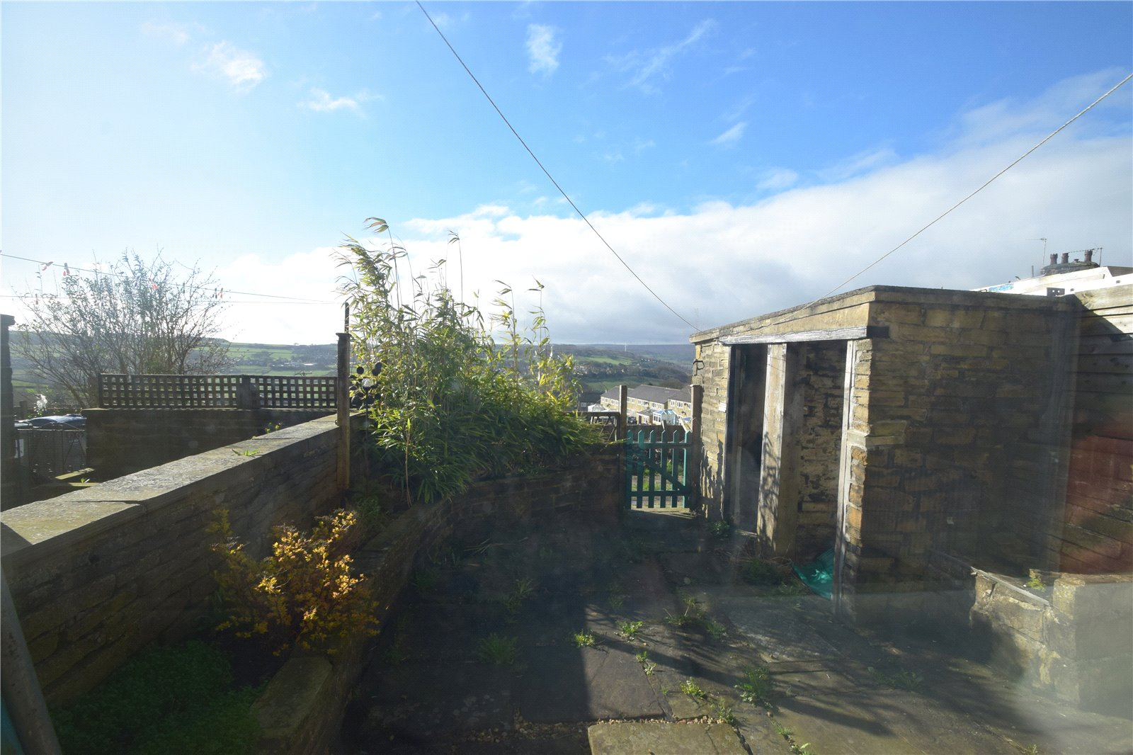 Yorkshire Terrace: Whitegates Keighley 3 Bedroom House Let Agreed In Ashville