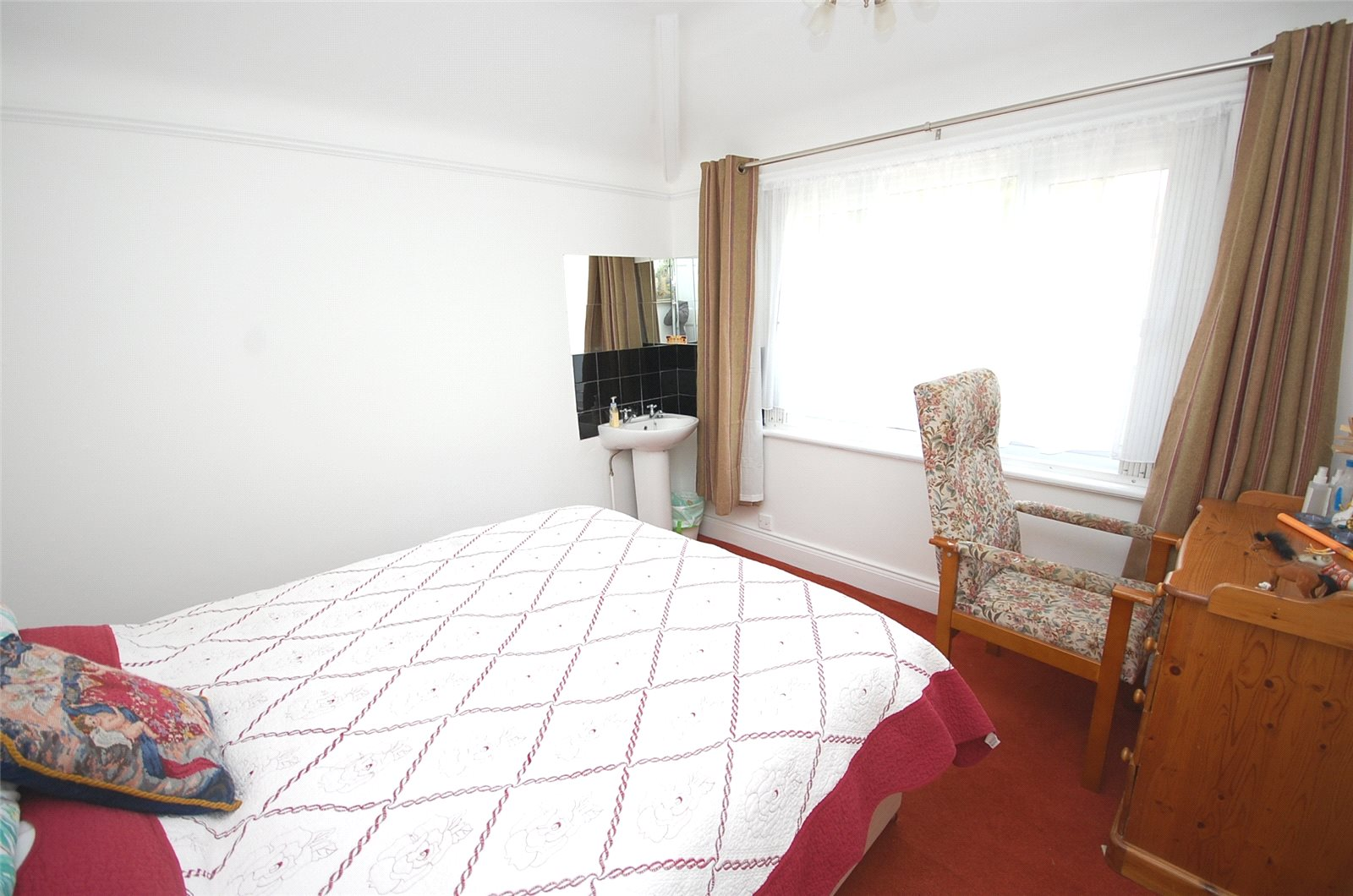 Ellis Amp Co Finchley 5 Bedroom House Sstc In Tillingbourne
