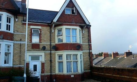 Photo of 6 bedroom Flat for sale