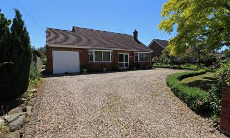 Photo of 4 bedroom Detached Bungalow for sale