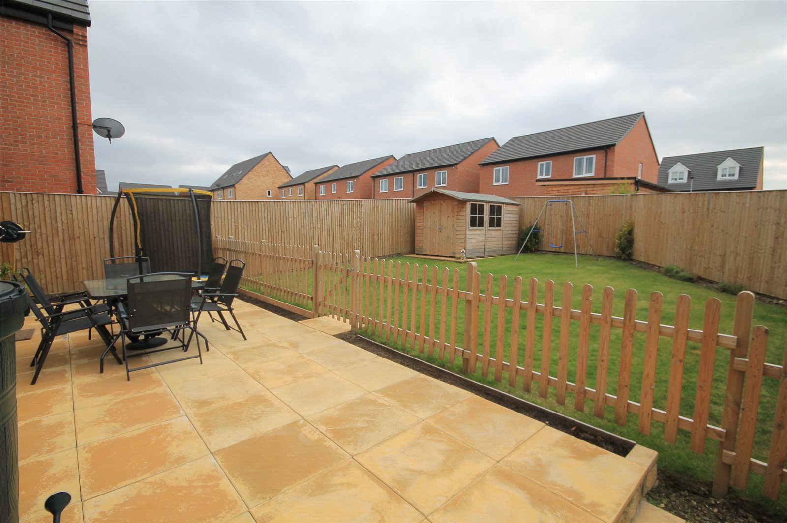 Whitegates Barnsley 4 bedroom House for sale in School Gardens ...