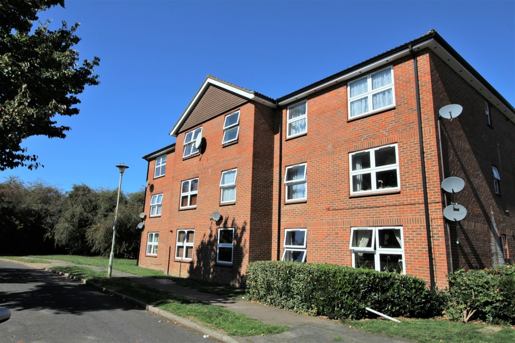 Broadwater Crescent, Welwyn Garden City, Hertfordshire AL7