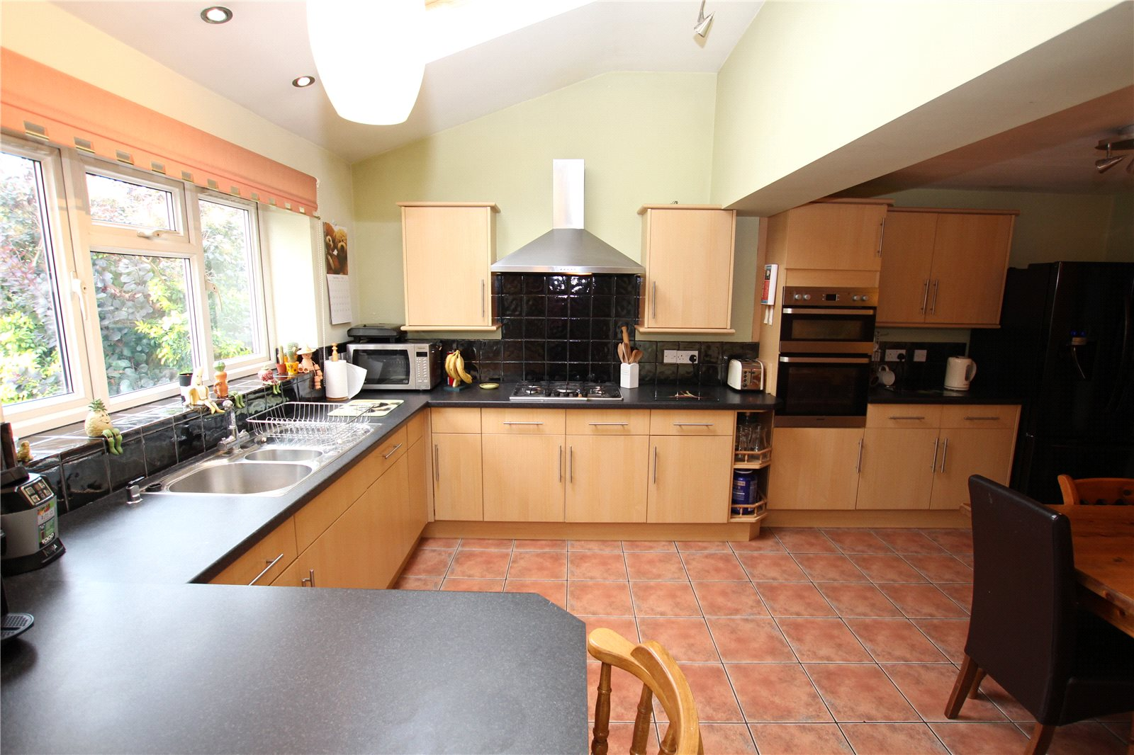 Cj Hole Gloucester 4 Bedroom House For Sale In Chosen Way