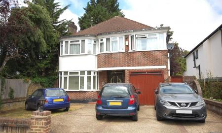 Rathgar Close Finchley London N3 Image 3