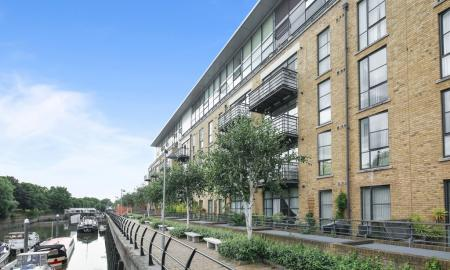 Photo of Town Meadows, Ferry Quays, Brentford