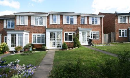 Photo of Aquila Close, Leatherhead