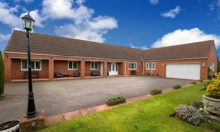 Bawtry Road, Blyth, Worksop S81 Image 1