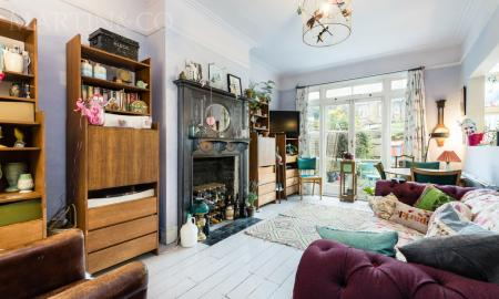Kingsdown Avenue | Ealing W13 Image 1