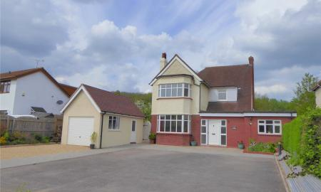 Photo of 5 bedroom House for sale