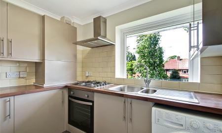 2 bedroom Flat for sale