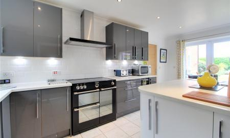 Blossom Grove Woodley Reading RG5 Image 22