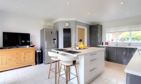 Blossom Grove Woodley Reading RG5 Image 5