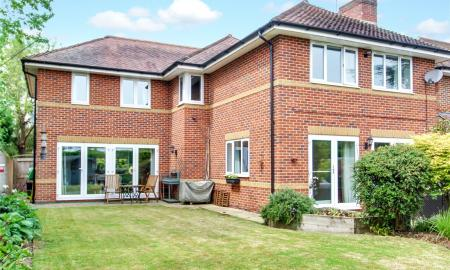 Blossom Grove Woodley Reading RG5 Image 12