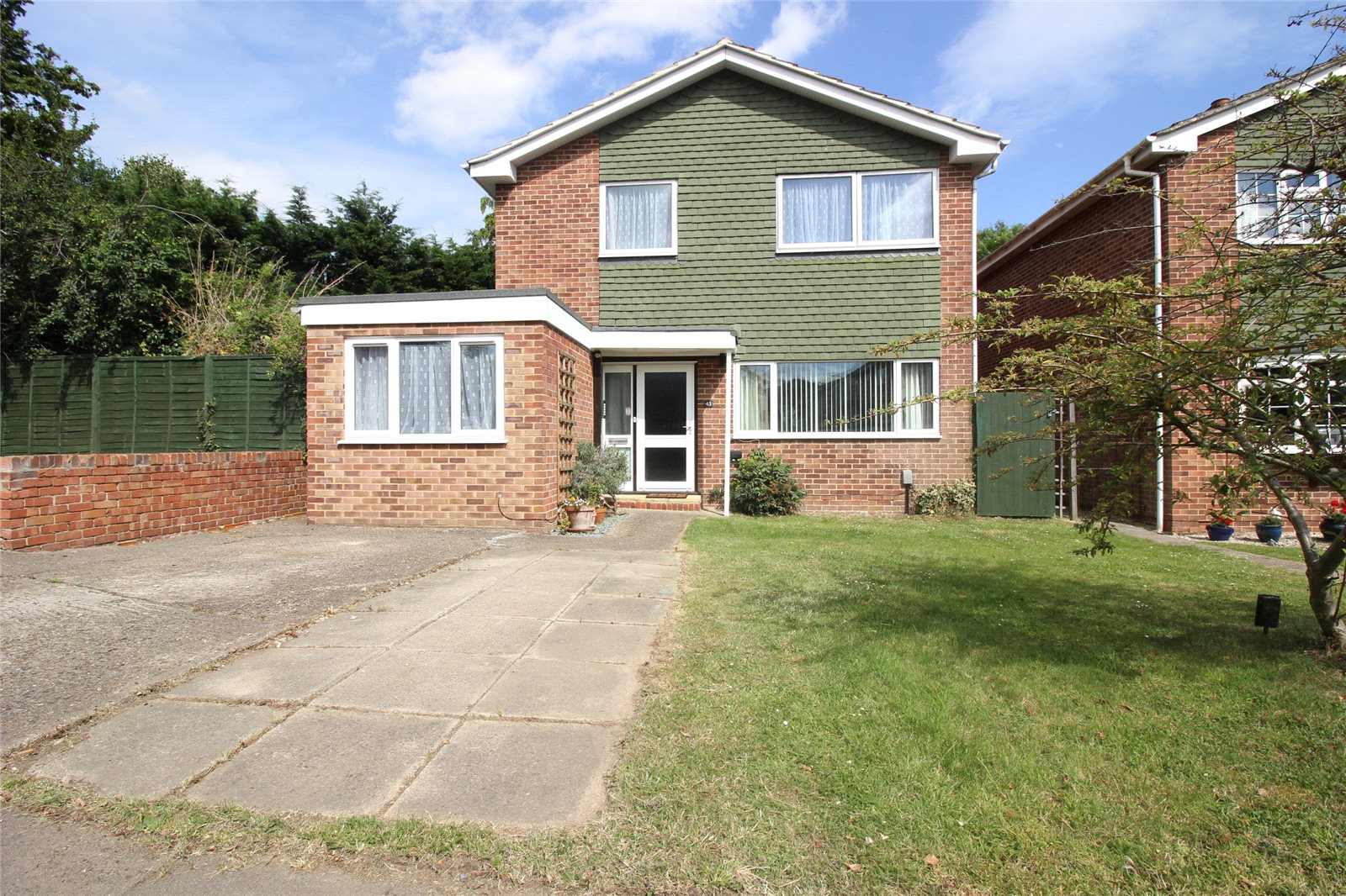 Reeds Avenue, Earley, Reading RG6