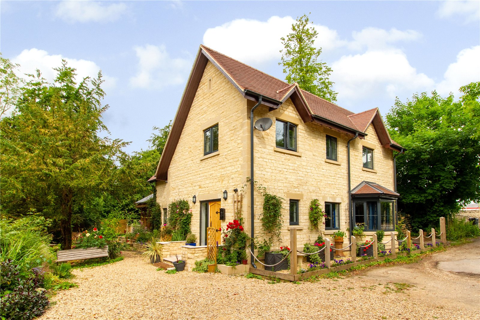 Bartonbury Glen, Stroud Road, Cirencester GL7
