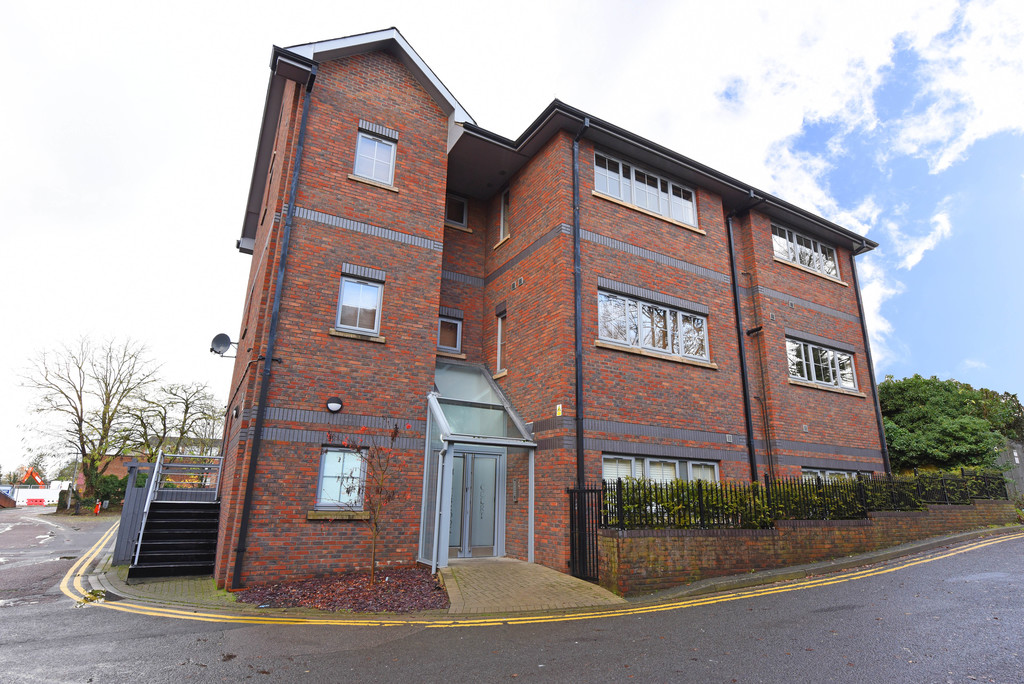 Waterford Way, Wokingham RG40
