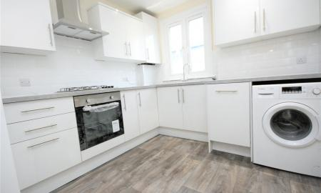 4 bedroom Maisonette to rent