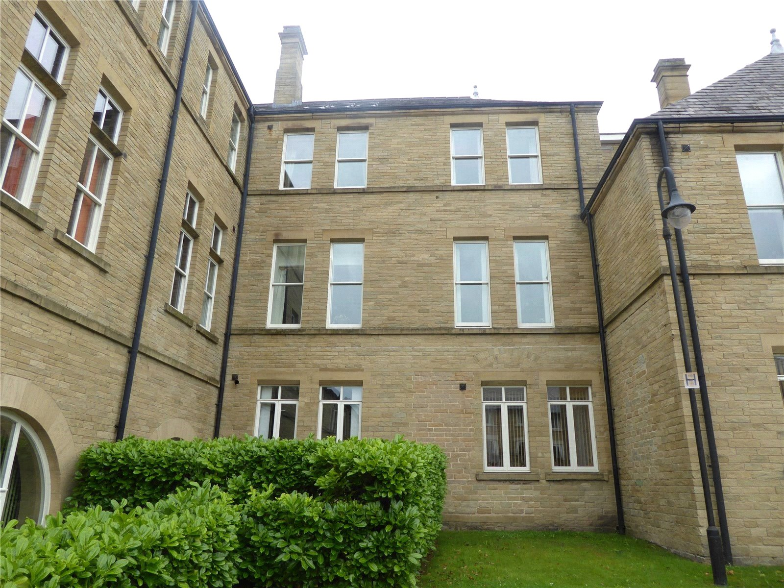 Whitegates Halifax 1 bedroom Flat To Let in Richmond House ...